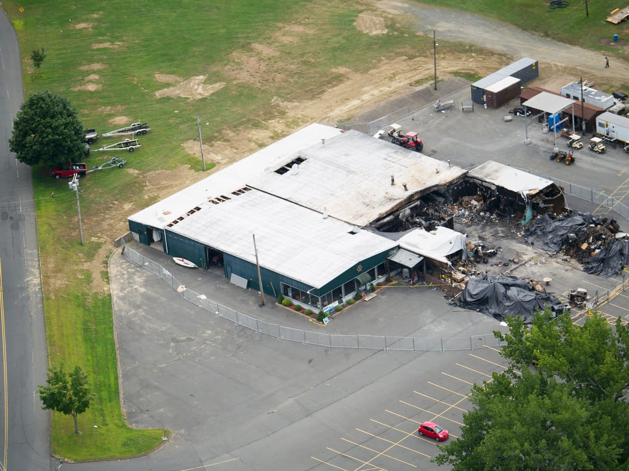 restaurant and marina fire